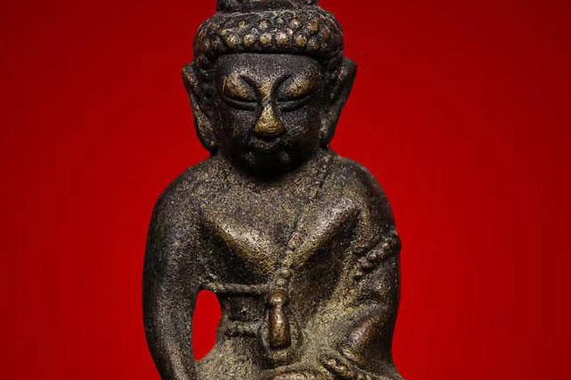 """近代知名的泰国佛牌高僧:龙婆moon""""超级大富豪""""药师佛"""